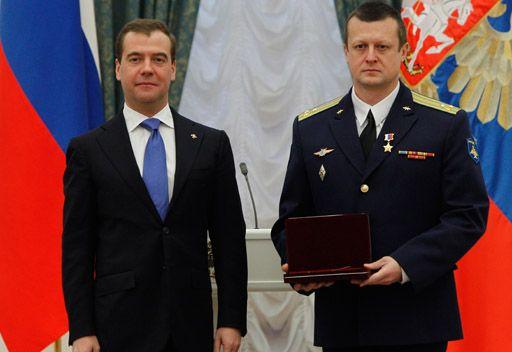 مدفيديف: روسيا لا تعتزم التخلي عن السلاح النووي