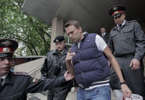 محكمة موسكو تقرر حبس ناشطين سياسيين معارضين لمدة 15 يوما