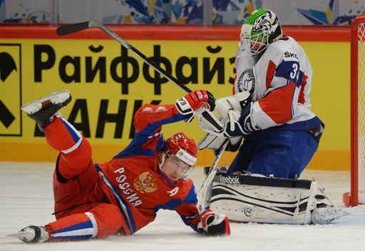 روسيا تحقق فوزها الثاني في بطولة العالم لهوكي الجليد