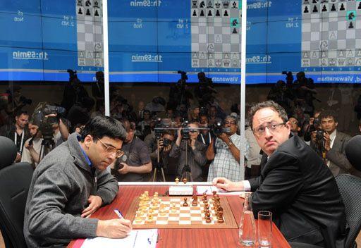 أناند وغيلفاند لا يريدان الفوز في بطولة العالم للشطرنج