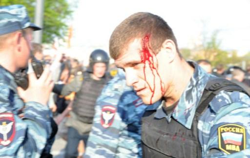 مظاهرة حاشدة بموسكو تأييدا لتنصيب بوتين.. واعتقال اكثر من 400 في مسيرة احتجاجية