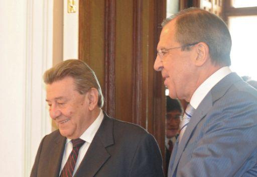 لافروف: موسكو قلقة من محاولات إحباط خطة عنان