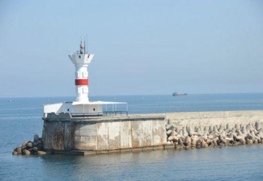 الأسطول الروسي ينفي أنباء تحدثت عن توجه سفينة قتالية روسية إلى مدينة طرطوس السورية