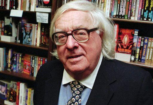 وفاة كاتب الخيال العلمي راي برادبوري