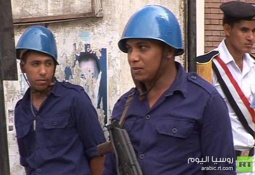 صناديق الاقتراع المغلقة تبقى تحت حراسة مشددة حتى صباح اليوم الثاني من الانتخابات في مصر