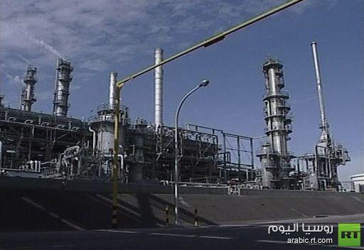 إيران تتهم السعودية والكويت والإمارات بإغراق أسواق النفط