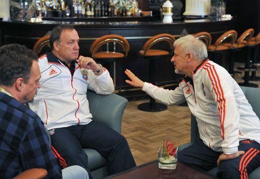 رئيس الاتحاد الروسي والمدرب يتركان المنتخب وشأنه بعد الهزيمة