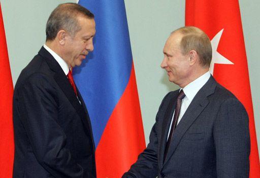 الكرملين: الرئيس الروسي يلتقي رئيس وزراء تركيا في 18 يوليو