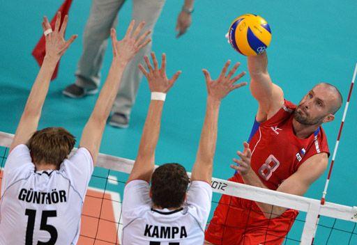 روسيا تتفوق على ألمانيا في أولمبياد الطائرة