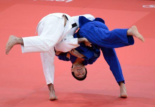 الروسي عيساييف يضمن الميدالية الفضية في منافسات الجودو