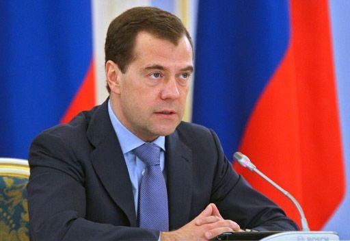 مدفيديف: قد يستقر مستوى عجز الميزانية الروسية عام 2015 عند مؤشر الصفر