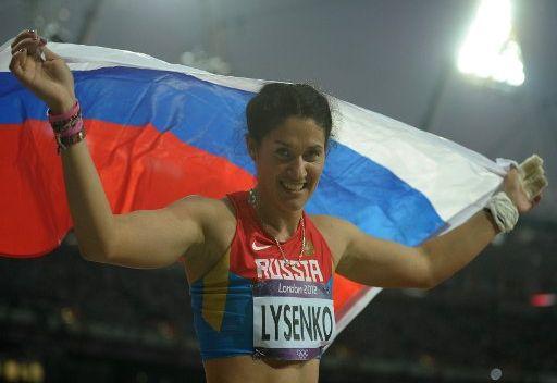 الروسية ليسينكو تتوج بذهبية رمي المطرقة