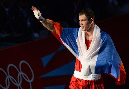 ميخونتسيف يمنح روسيا ذهبية في الملاكمة