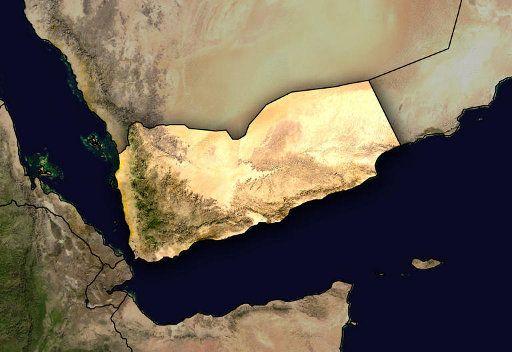اليمن.. غارات مكثفة للطيران الحربي على مواقع