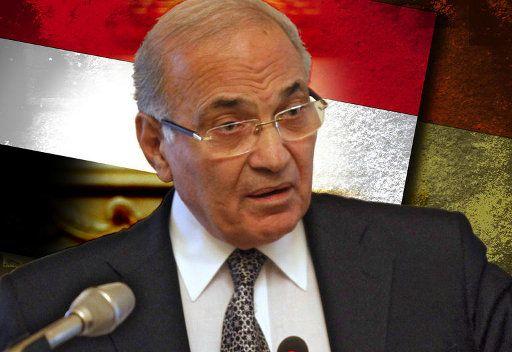 وضع أحمد شفيق على قوائم الممنوعين من السفر للتحقيق معه في قضية فساد