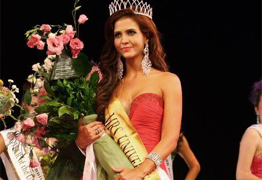 كولومبية تفوز بتاج ملكة جمال سيدات الكون لعام 2012