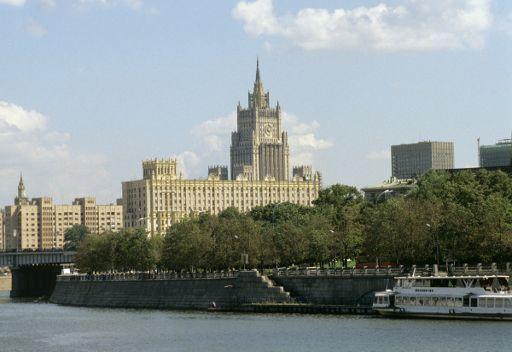 الخارجية الروسية ترحب بالابراهيمي وتؤكد استعدادها للتعاون معه