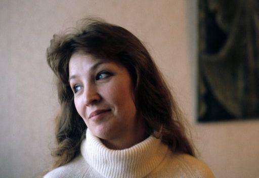 الفنانة الروسية الحسناء أولغا أوستروموفا تحتفل بيوبيلها