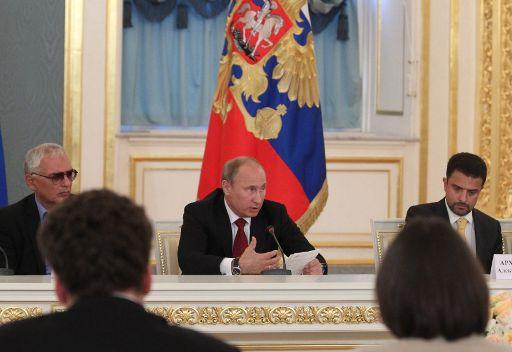 بوتين: فقدان الامة وجهها الثقافي يسهل التلاعب بالمجتمع