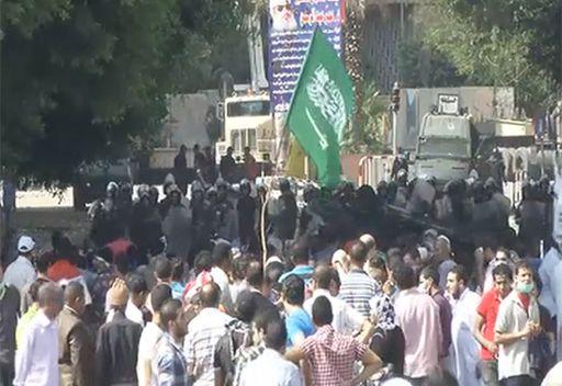 فيديو: استمرار الإحتجاجات في محيط السفارة الامريكية بالقاهرة