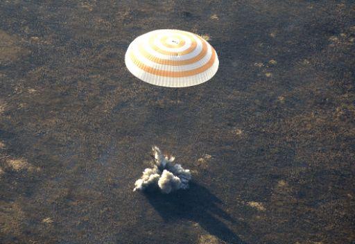 3 رواد فضاء يعودون الى الأرض بعد قضائهم 6 أشهر على متن المحطة الفضائية الدولية