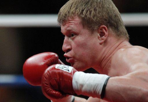 الملاكم الروسي بوفيتكين يهزم الأمريكي رحمن ويحتفظ باللقب العالمي