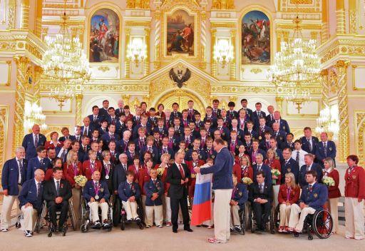 الرئيس الروسي يستقبل بعثة بلاده البارالمبية في الكريملين