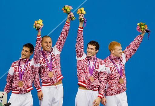 الروسي ليسينكوف يتوج بذهبية 100 سباحة على الظهر