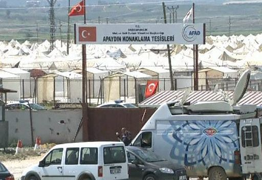 تركيا تنقل لاجئين سوريين من إقليم هاتاي