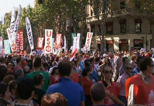 مظاهرات حاشدة في إسبانيا تطالب باستقالة الحكومة وإجراء استفتاء بشأن التقشف