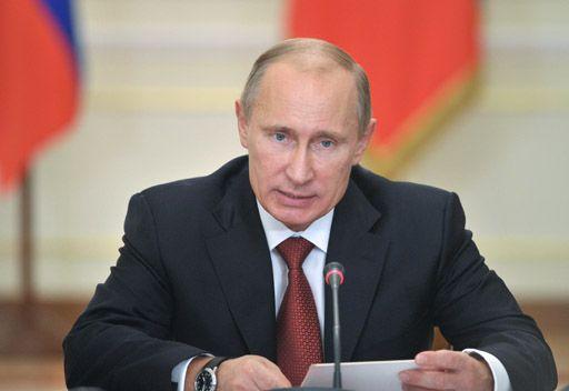 بوتين: لا يحق لأي أحد أن يملي على روسيا كيف ولمن تصدر أسلحة في إطار الشرعية الدولية