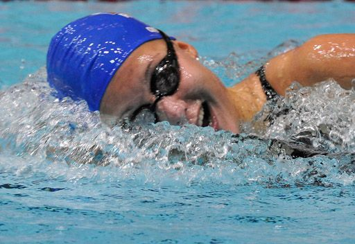 الروسية سوكولوفا تفوز بذهبية 400 م في كأس العالم للسباحة