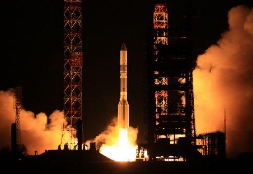 انطلاق صاروخ روسي يحمل قمرا صناعيا امريكيا للاتصالات