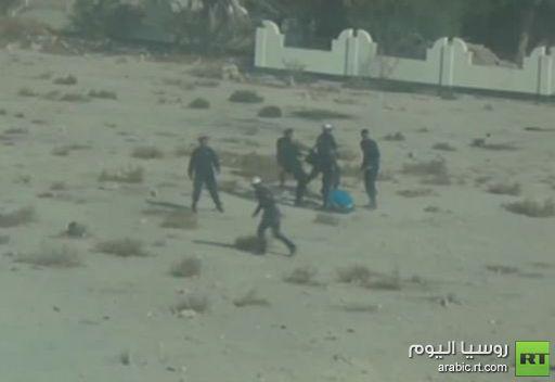 الشرطة تفرق بعنف مظاهرة في البحرين