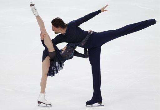 الثنائي كاواغوتي–سميرنوف يتوج بذهبية التزلج الفني على الجليد