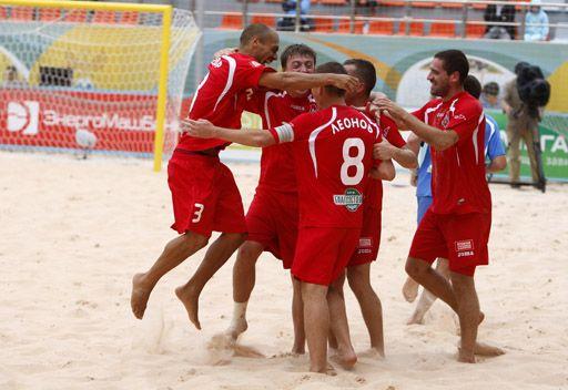 روسيا تفوز على الإمارات بشق الأنفس بكرة القدم الشاطئية
