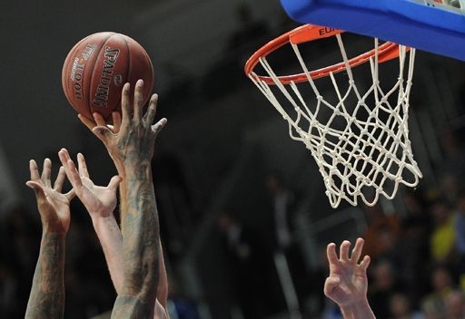 تري-أومف الروسي يحقق فوزه الرابع في كأس أوروبا بكرة السلة