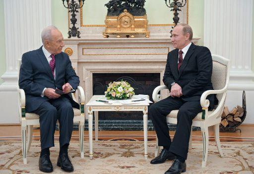 بيريز لبوتين: رئيسا روسيا والولايات المتحدة يتحملان المسؤولية عن مصير العالم