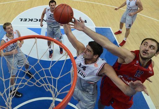 تسيسكا موسكو يستعيد توازنه بعد كبوة برشلونة في الدوري الأوروبي لكرة السلة
