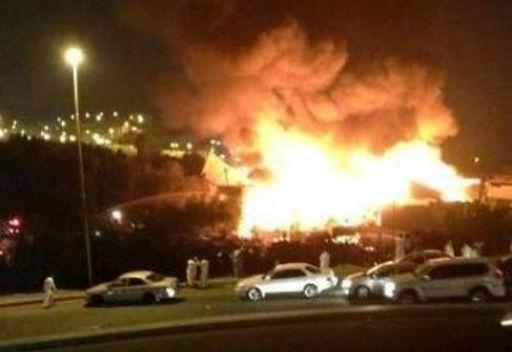 انفجار في أحد الفنادق المهجورة بمكة يسبب حريقا