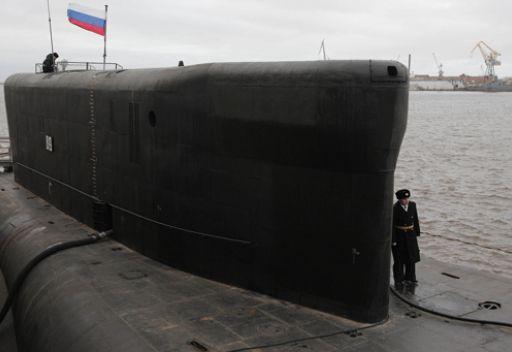 غواصة روسية جديدة تصيب هدفا بريا بصاروخ مجنح