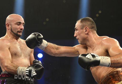 الملك أبراهام يدافع بنجاح عن لقبه بطلاً للعالم في الملاكمة
