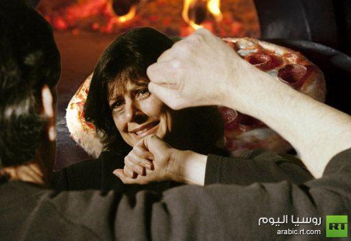 حاول قتل زوجته بسبب البيتزا