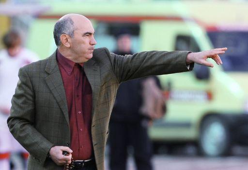 روبين يمدد عقد مدربه قربان بردييف