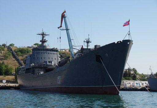 مصدر عسكري: سفينتان حربيتان روسيتان تحملان قوات خاصة تتوجهان نحو السواحل السورية