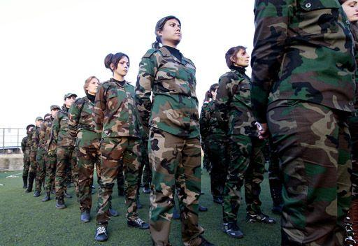 بالفيديو... إنشاء اول وحدة نسائية لقوات الدفاع الوطني في سورية