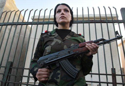 """نساء سوريات """"جيش الدفاع الوطني"""""""
