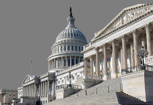 الكونغرس الأمريكي يقر قانون تفادي