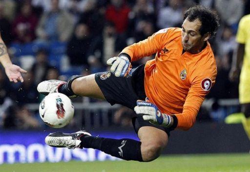 ريال مدريد يتعاقد مع الحارس لوبيز رسمياً