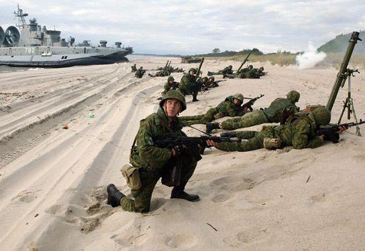 مصدر في الأركان العامة الروسية: سفن حربية روسية ستجري مناورات إنزال بحري قبالة الساحل السوري